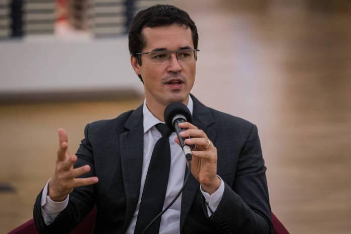 O procurador da Lava Jato Deltan Dallagnol participa de debate de lançamento do livro Corrupção, do promotor Roberto Livianu, em São Paulo