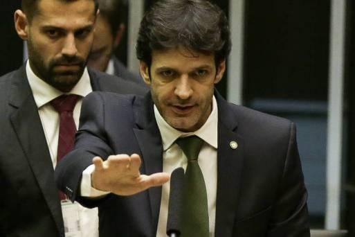O ministro do Turismo, Marcelo Álvaro Antônio, que presidiu o PSL em MG e que teria envolvimento em esquema de candidaturas laranjas no partido