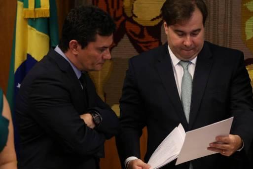 O presidente da Câmara dos Deputados, Rodrigo Maia (DEM-RJ), recebe o ministros Sergio Moro (Justiça), que apresentou pacote anticrime pelo governo federal e pelo ministério de Moro