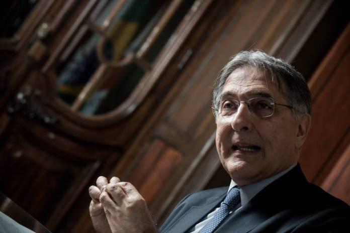 O governador de Minas Gerais, Fernando Pimentel, durante entrevista no Palácio da Liberdade, em Belo Horizonte