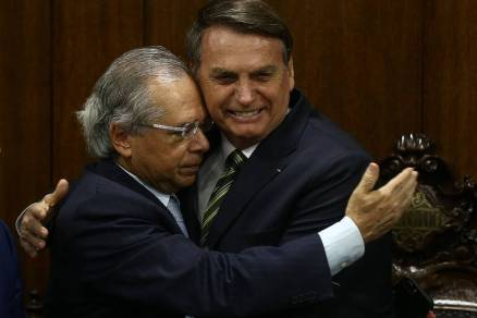 Bolsonaro entrega reformas econômicas ao Congresso; veja fotos