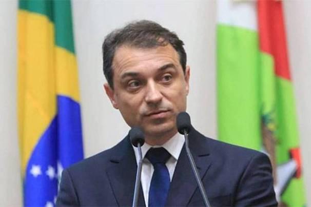 Governador de Santa Catarina anuncia estar com coronavírus - 01/07/2020 - Poder - Folha