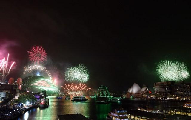El cielo se iluminó en Australia durante la llegada del Año Nuevo 2020.
