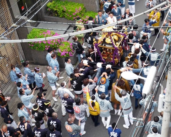 ワッショイ!ワッショイ! 江戸を感じる下谷神社の神輿