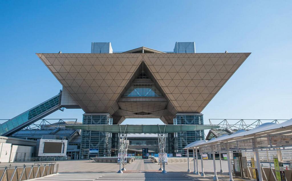 東京ビッグサイトで、お客さまによろこんで頂ける新しい『記念の結晶』のヒントを探しました。