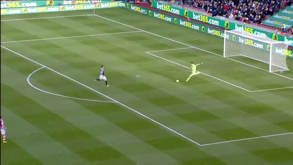 Iconic Moment: Begovic's instant goal