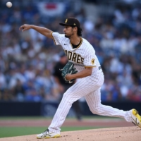 Padres starter Yu Darvish pitches against the Dodgers on Monday in San Diego.   USA TODAY / VIA REUTERS