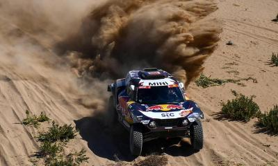 DAKAR 2021 - STAGE 1 SAINZ LEADS