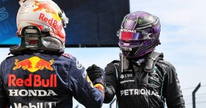 Hamilton not in 'psychological' war with Red Bull