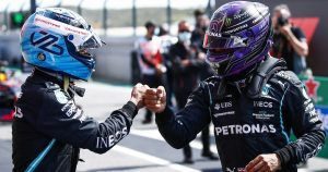 Hamilton doesn't see need to replace Bottas at Mercedes