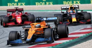 Fast-starting Ricciardo hopes to benefit from sprint race