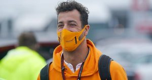 Ricciardo to demo Earnhardt's NASCAR car at US GP