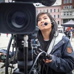 Rebecca på et av kameraene