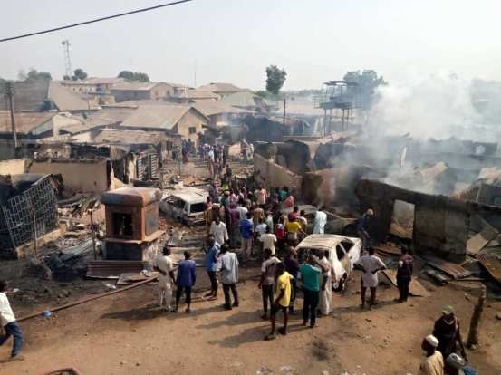 Six dead, several injured while a petrol tanker exploded in Kvara