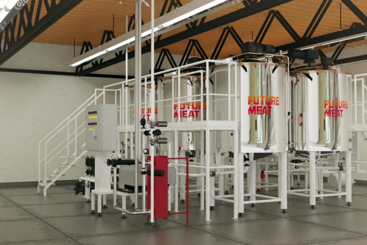 Future Meat Technologies' production facility used 1,200-liter stainless steel vessels to grow chicken, beef, lamb, or pork. Such facilities are no larger than a barn and can manufacture up to 2,000 kg of meat per month (equivalent to 1,000 chickens or 7 cows per month). Photo: Dudi Moskovitz