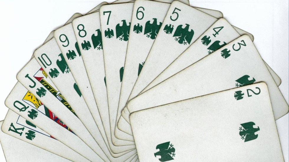 19-green-suit