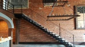 interior stair rail 2