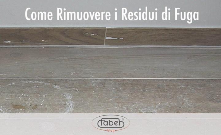 pavimento con residui di fuga in superficie