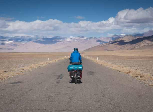 cycling pamir highway M41