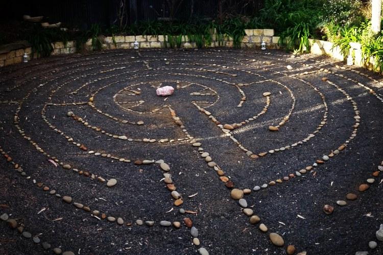 http://www.labyrinthlane.com/