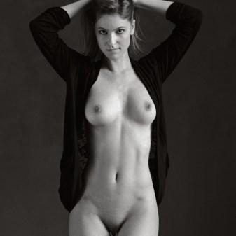 Art nude eroticism nu érotique et sensuel femme nude naked neuchâtel suisse art femininity poitrine beauté blonde woman lady sexy fabien queloz adeline valentin #avaloup #DameDeTrefle #AdelineVal #AvaDeTrefle avaloup
