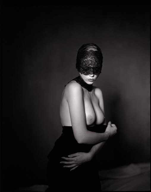 Art nude femininity Valentine Dupasquier by Fabien Queloz, Switzerland