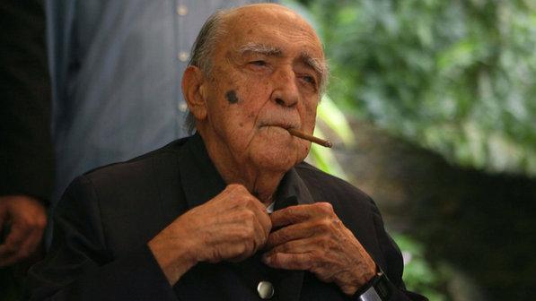 Oscar Niemeyer – A sustentável leveza das curvas