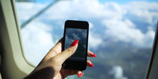 Uso de celular no avião