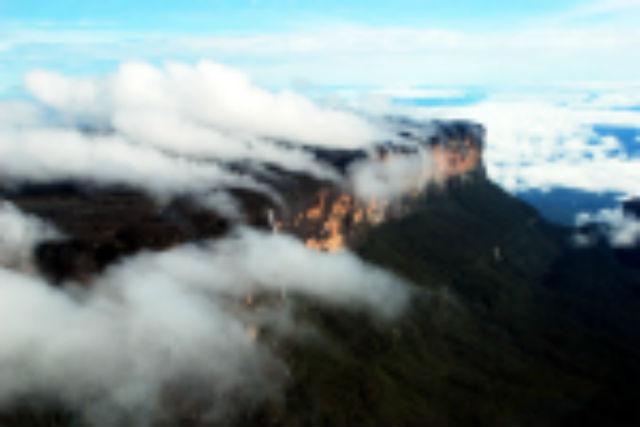 Fumaça de água no Monte Roraima. Foto André Pessoa