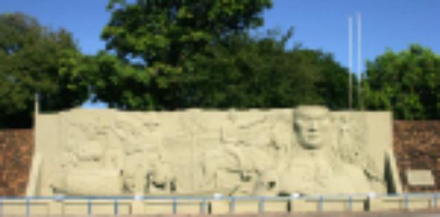 Monumento -Tiago Orihuela