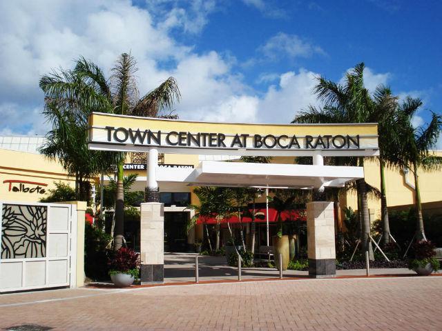 Em Boca Raton o Town Center at Boca Raton é um dos principais destinos de compras de luxo do sul da Flórida