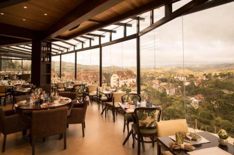 Bella Vista une alta gastronomia â vista panorâmica de Campos do Jordão