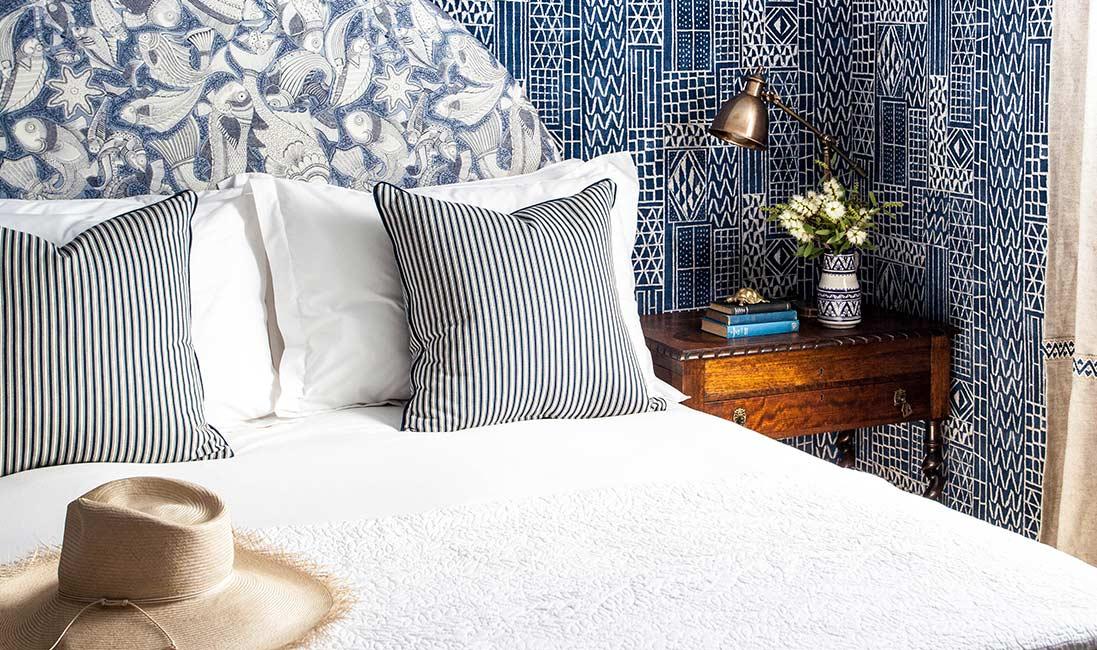 estampas em azul na decoração