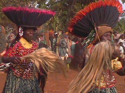 JUJU HATS: OS DECORATIVOS CHAPÉUS AFRICANOS