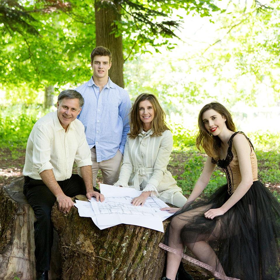 Craig e Karina Waters com os filhos Ben e Jasmin