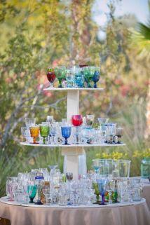 Receber bem com copos coloridos