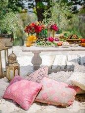 Um almoço no jardim inspirado no Marrocos