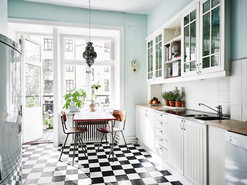 Cozinha, parede em tons de menta