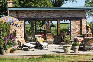 Uma casinha de férias para receber os amigos e COZINHAR AO AR LIVRE