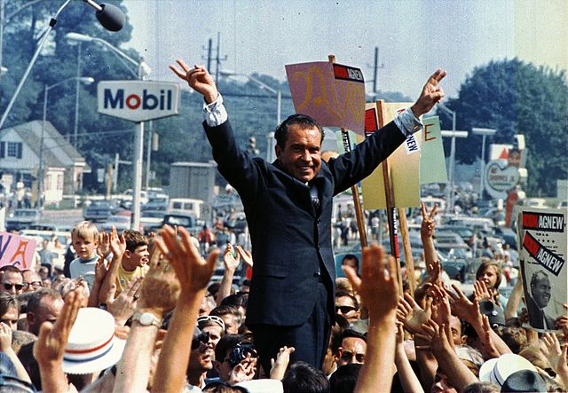 Nixon campaigns