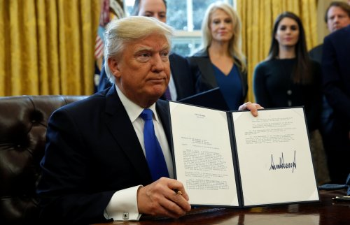 Donald Trump signs Orders
