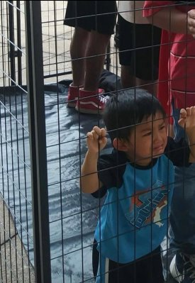 Staged migrant boy in jail