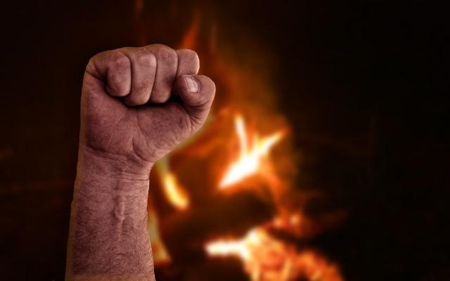 Burning Fist - AdobeStock - 290264891