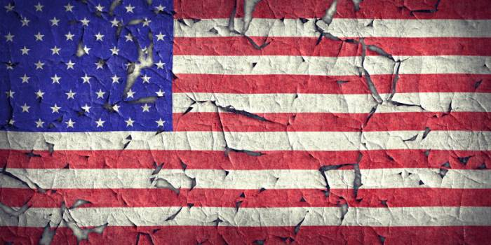 American Cracked Flag - AdobeStock - 362984216