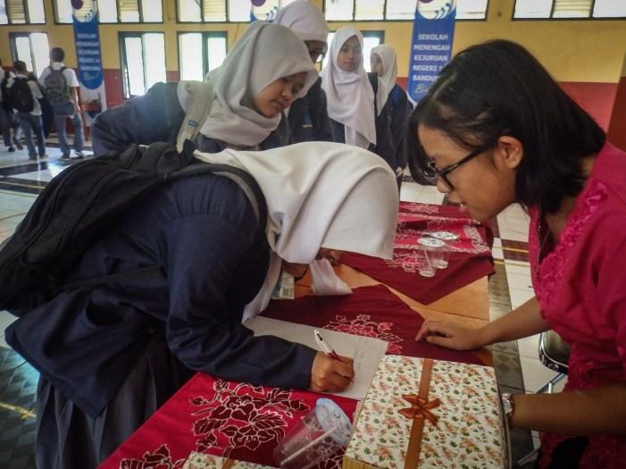 Beberapa siswa yang mendaftarkan diri menjadi Member FabLab Bandung