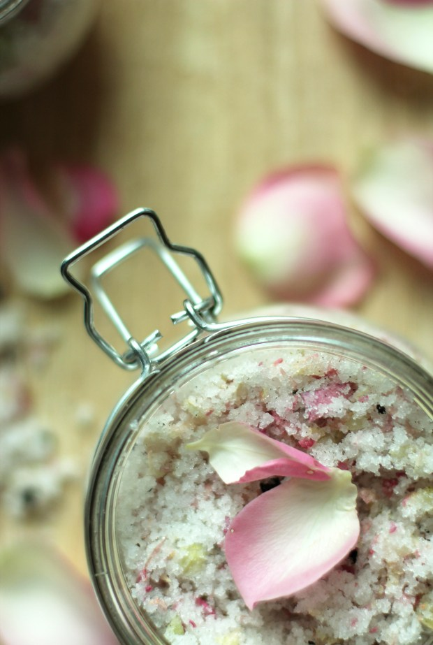 homemade-rose-and-vanilla-body-scrub-11