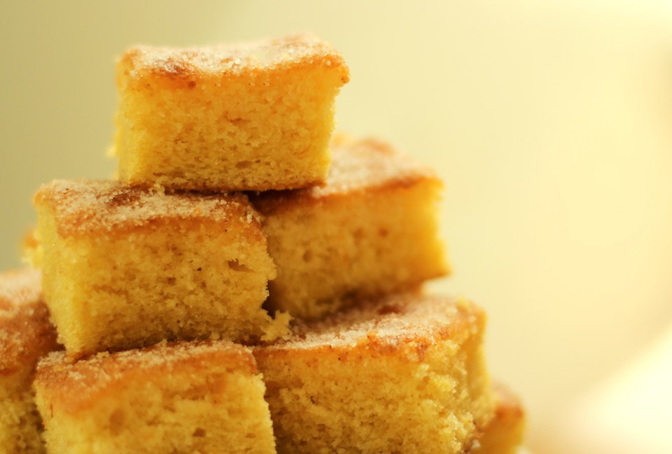 easy-lemon-drizzle-cake-recipe-09