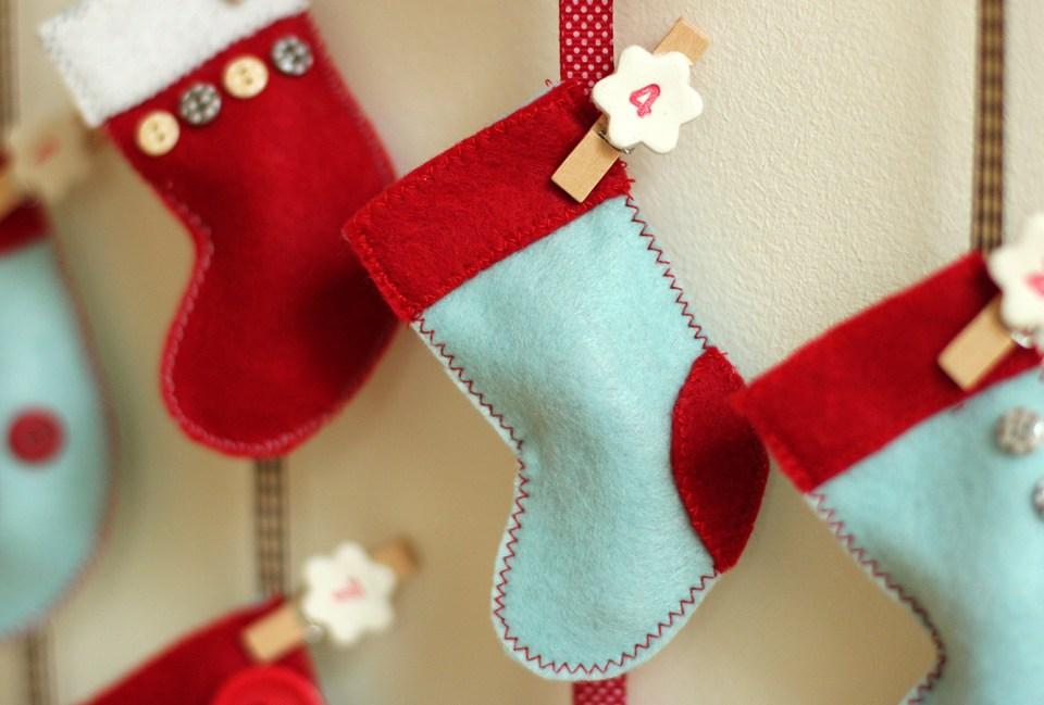 homemade-advent-calendar-mini-stockings-16