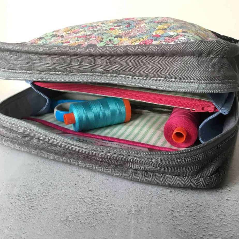 New PDF Sewing Pattern - the (Not So) Little Zippy Pouch. A great project bag, make-up or toiletries bag. Pattern by fabricandflowers | Sonia Spence