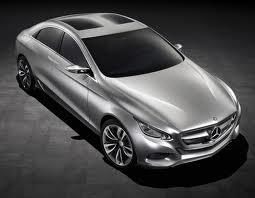Mercedes crée une voiture invisible